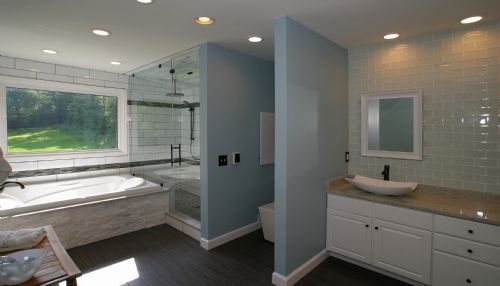 Madeira Master Bathroom