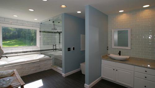 Madeira Master Bathroom